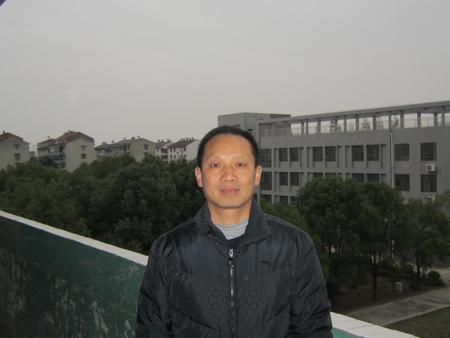 童 昌(九年级化学教师)