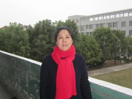张 玉(八年级数学教师)